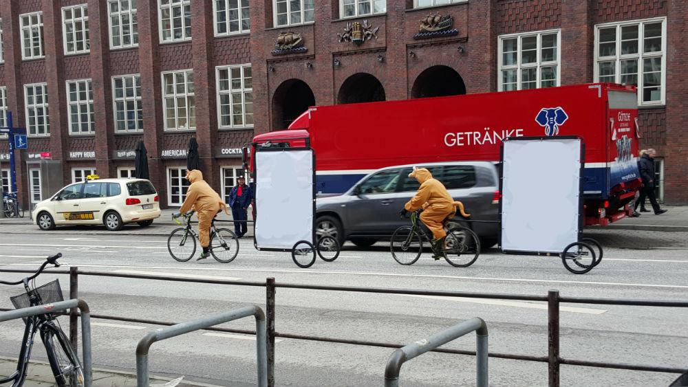 Statt Studenten als Känguru verkleidet mit Ihrer Werbebotschaft durch Hamburg radeln zu lassen, können Sie auch bei Elbmelancholie werben