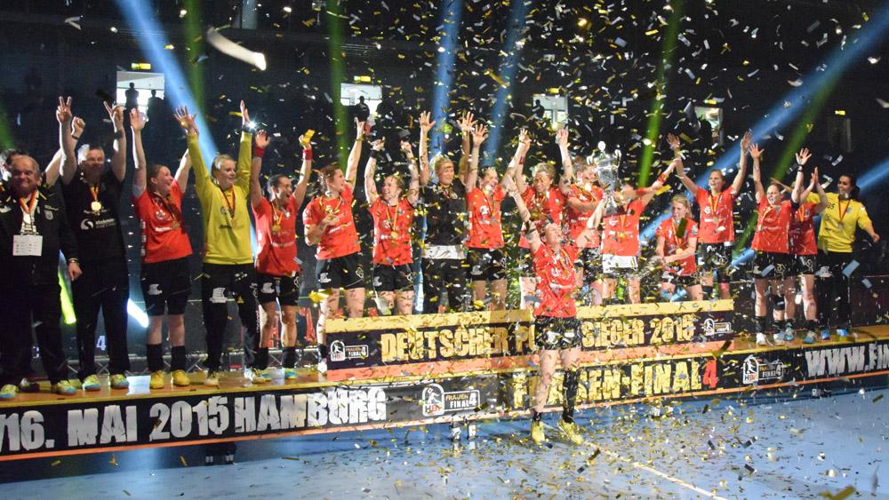 Handball_Final4_Siegerehrung Buxtehude