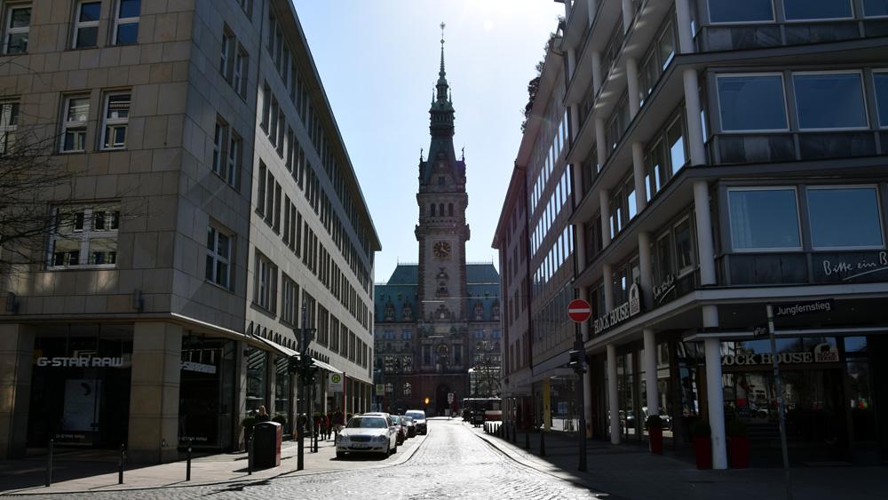Rathaus_Strasse