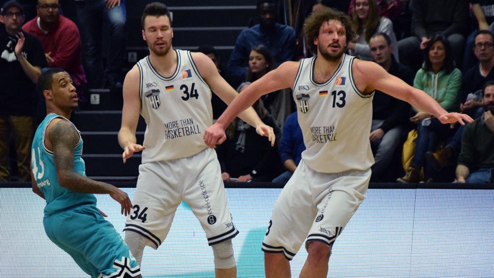 Doppel-Ausfall: In den kommenden Spielen müssen die Towers auf ihre beiden verletzten Center Michael Wenzl (l.) und Stefan Schmidt (r.) verzichten