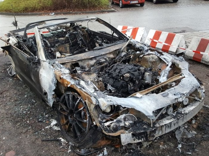 verbranntes_Auto_Stadtpark1