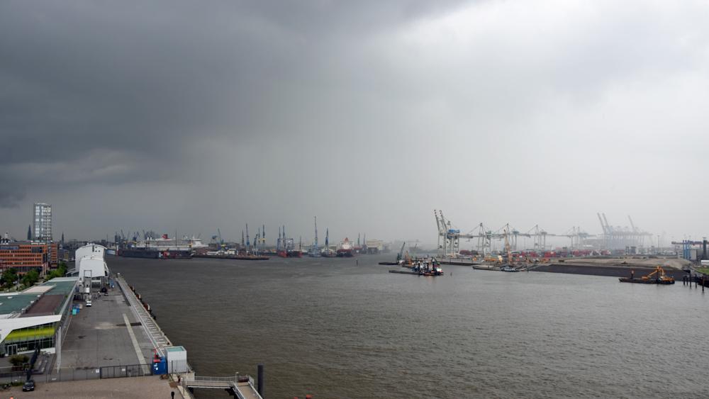 Hafen-Elbe_Unwetter_Dockland