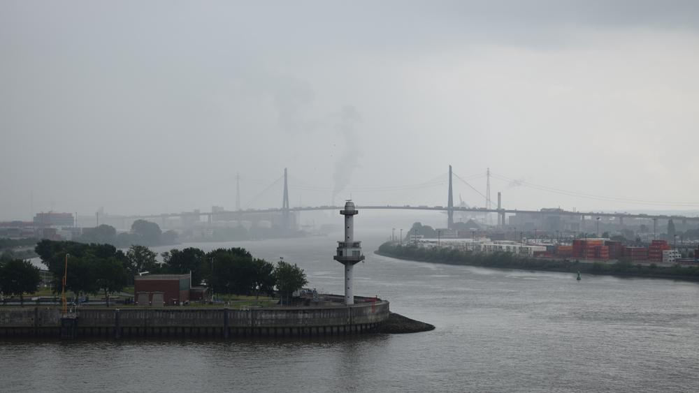 Köhlbrandbrücke_Nebel_Dockland